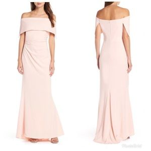 Vince Camuto gown - 14